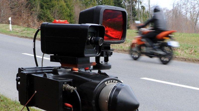 Jovem motociclista apanhado a 72 km/h numa zona limitada a 30 km/h