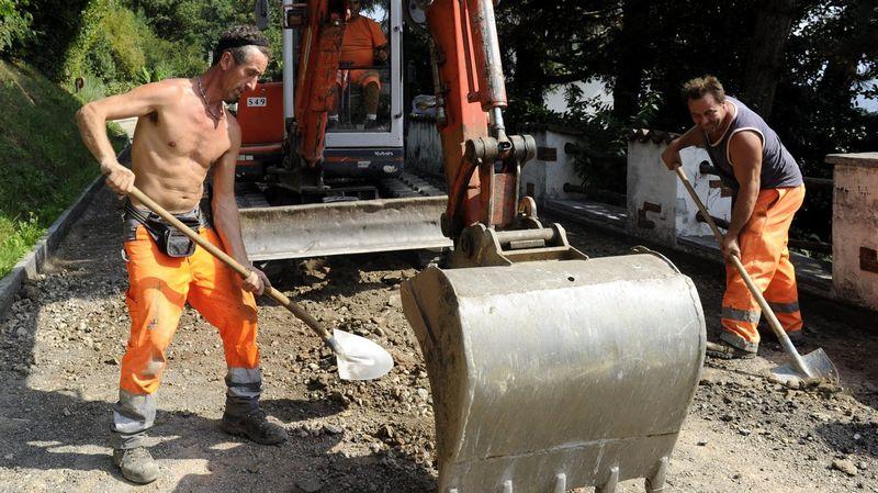Continua a ser possível trabalhar tronco nu nas obras