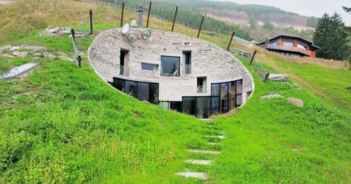 Uma das casas mais famosas da Suíça está à venda