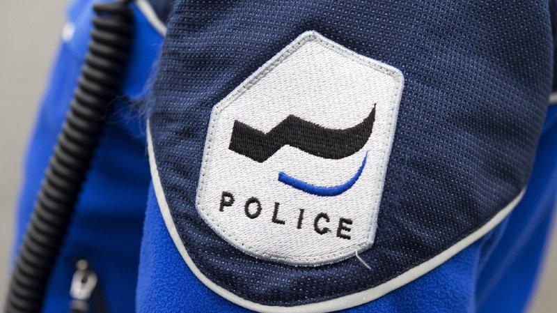 Condutor português controlado pela polícia devido a excesso de carga e de passageiros