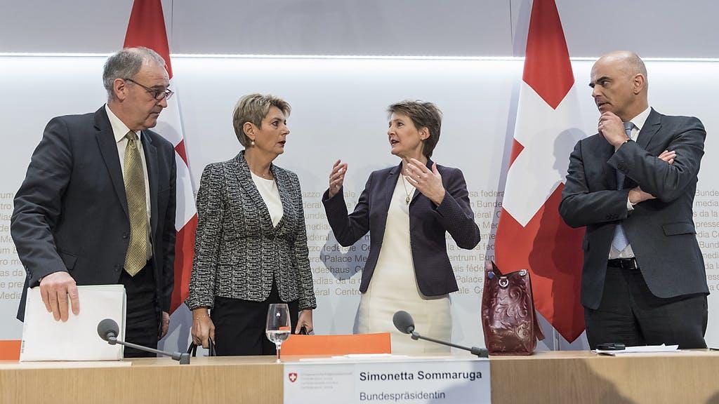 Suíça: Conselho Federal acelera processo de desconfinamento