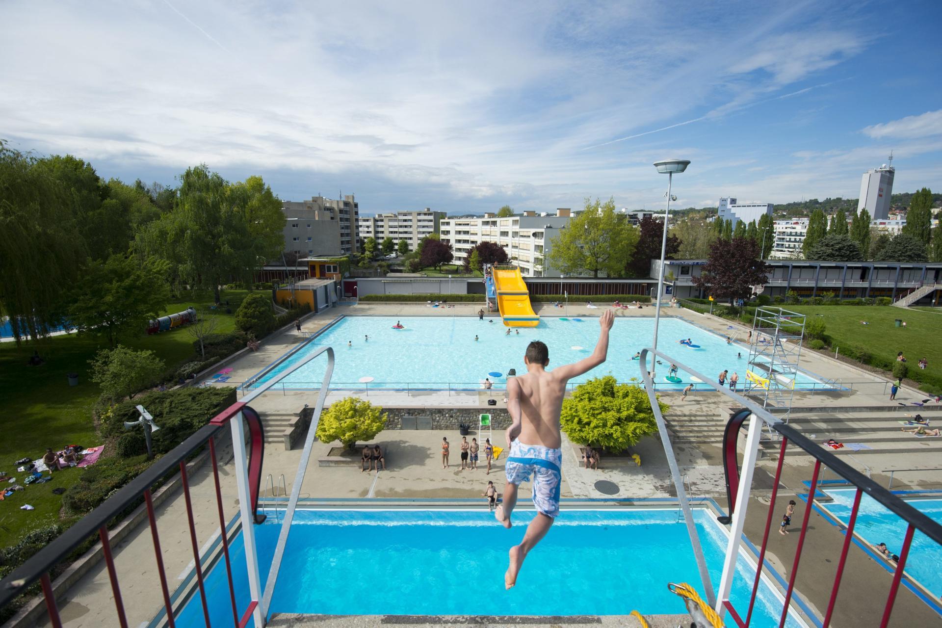 Reabertura das piscinas públicas na Suíça