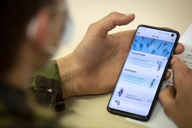Covid-19: Suíça vai testar aplicação de rastreamento