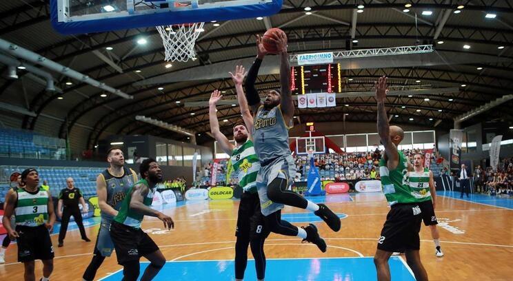 """Sporting defronta o Fribourg na """"Champions"""" de basquetebol"""