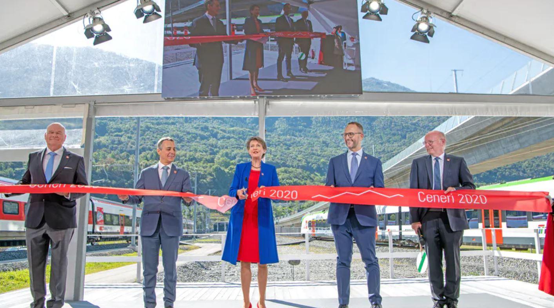 "Suíça inaugura ""Obra do Século"""