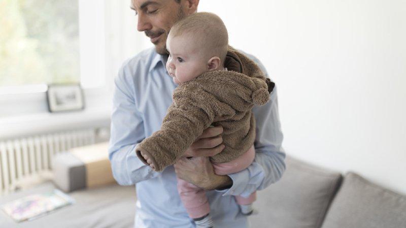 Será desta vez que a Suíça aprovará a licença de paternidade?