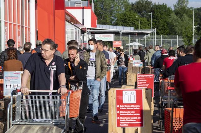 Covid-19: Suíça inicia o levantamento de restrições