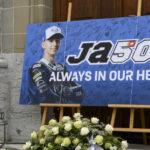 Centenas de pessoas no adeus a Jason Dupasquier